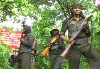 Italian-tourists-taken-hostage-by-Maoists-epathram