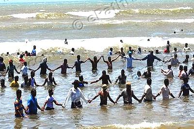 koodankulam-sea-protest-epathram