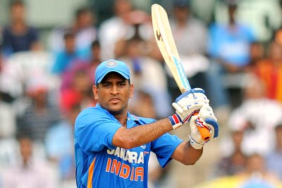 indian-cricketer-dhoni-ePathram