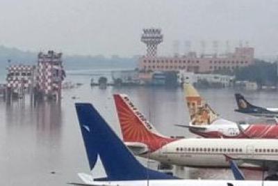 chennai-airport-flooded-epathram