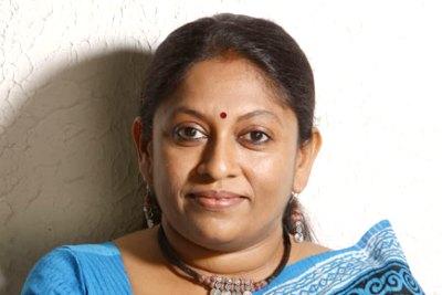novelist-kr-meera-win-sahithya-academy-award-2015-for-arachar-ePathram