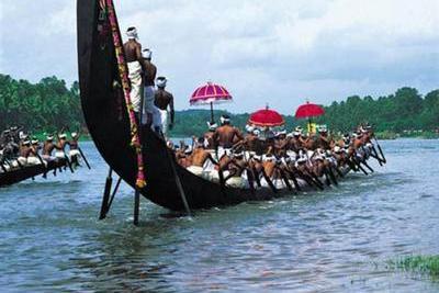 champakulam-moolam-boat-race-epathram