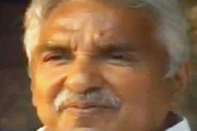 chief-minister-oommen-chandi-ePathram