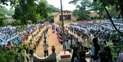 koottanad-school-students-take-anti-drug-oath-by-june-26-ePathram