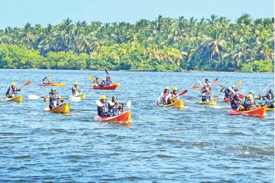 mullappuzha-kayaking-sports-club-nalumanikkaattu-ePathram