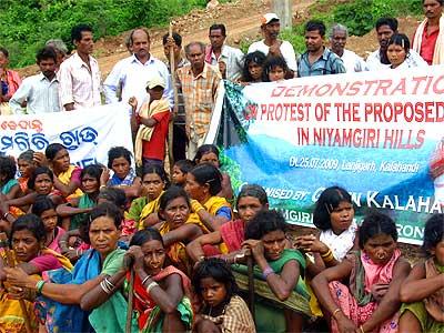 niyamagiri-tribal-protest-epathram