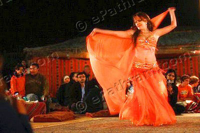 belly-dancer-dubai-epathram