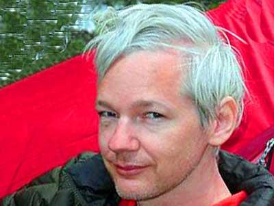 Julian-Assange-ePathram