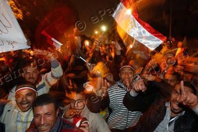 cairo-celebrating-mubaraks-defeat-epathram