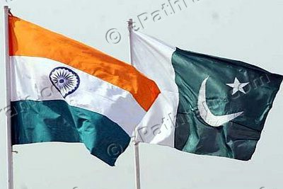 india-pakistan-flags-epathram