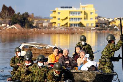 japan-tsunami-rescue-epathram