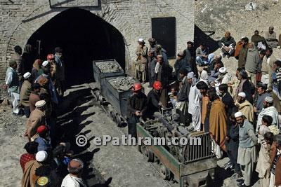 pakistan mine accident-epathram