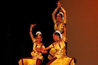 canada-south-asian-heritage-dance-epathram