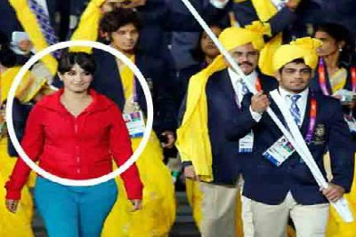 madhura-hony-in-olympics-indian-march-past-2012-ePathram