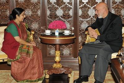 sushma-swaraj-hamid-karzai-epathram