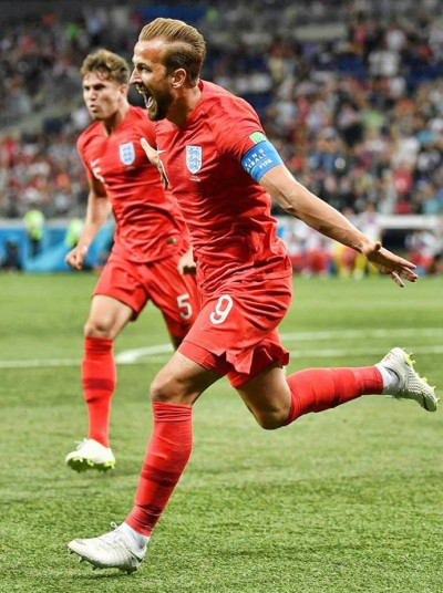 england-captain-harry-kane-celebrates-his-winner-against-tunisia-in-world-cup-2018-ePathram
